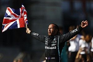 Почему Хэмилтона не наказали сильнее: объяснение FIA