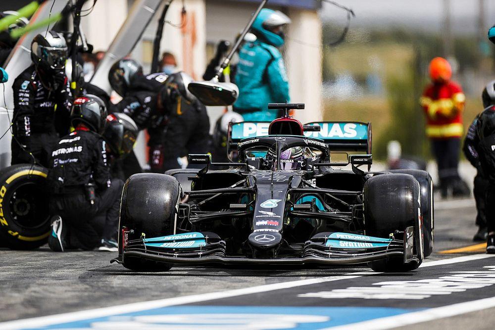 Verstappen Minta FIA Lakukan Pemeriksaan Sayap Depan