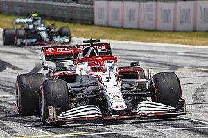 Vettel: Beszélnem kell Kimivel!