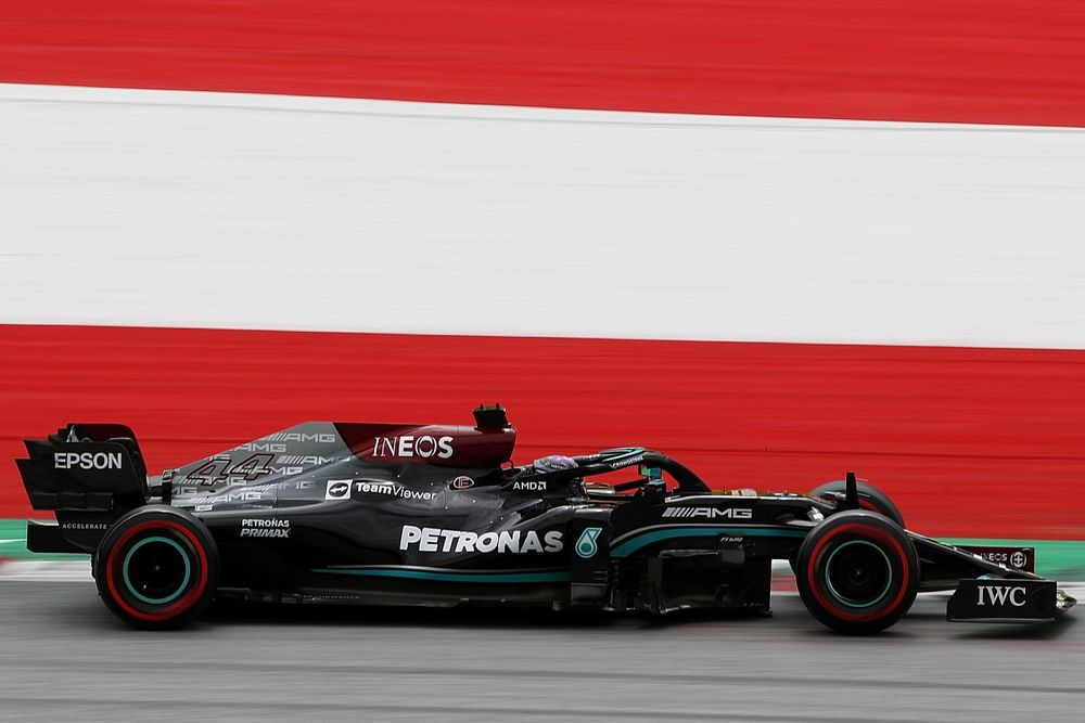 """Hamilton: """"Geliştik ama Red Bull'u yenmek için yeterli olmayabilir"""""""