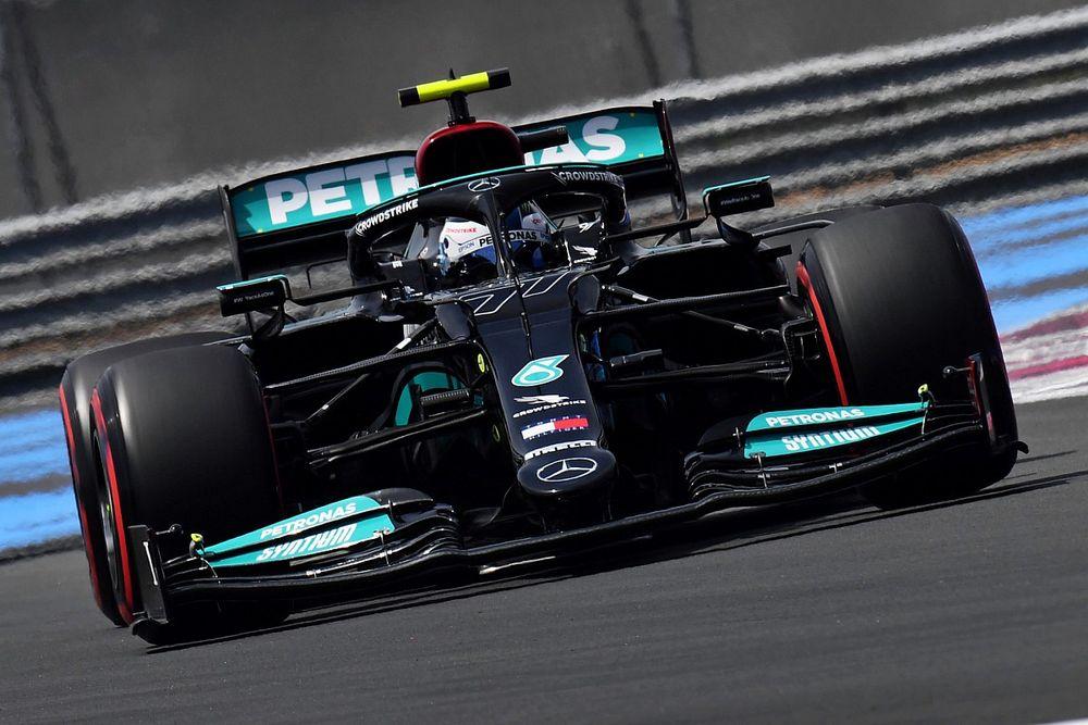 """F1: Bottas se diz """"curioso"""" para saber onde a Mercedes perdeu tempo em Paul Ricard"""