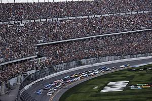 Deszcz przerwał Daytona 500