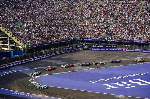 Videón Vries, Da Costa és Frijns csattanása a Formula E-ből