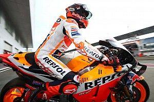 Márquez manda en la toma de contacto de MotoGP en Jerez; Rossi, tercero