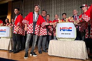 Lorenzo: ultimo saluto a Honda alla festa di fine anno in Giappone