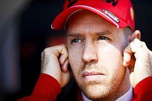 """Vettel: """"La Mercedes si guida con una cloche d'aereo?"""""""