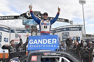 Todd Gilliland earns first win in wild Martinsville Truck race