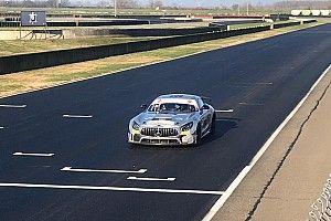 GT Italiano: V-Action al lavoro a Cervesina con le sue Mercedes