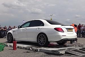 Videó: Így égeti el gumijait fél perc alatt a Mercedes-AMG E63 S