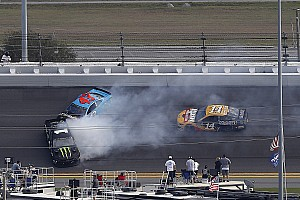Daytona 500: Kyle Busch wins Stage 1, brother Kurt wrecks