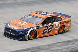 Joey Logano cruises to Stage 2 win at Bristol