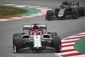 """حثّ الفورمولا واحد على الاستعانة بالمعركة """"الجنونية"""" لفرق الوسط كنموذج لموسم 2021"""