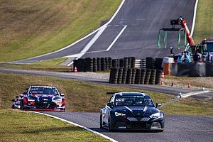 Ekstrom wins at Pau-Arnos to eliminate Baptista from Pure ETCR title fight