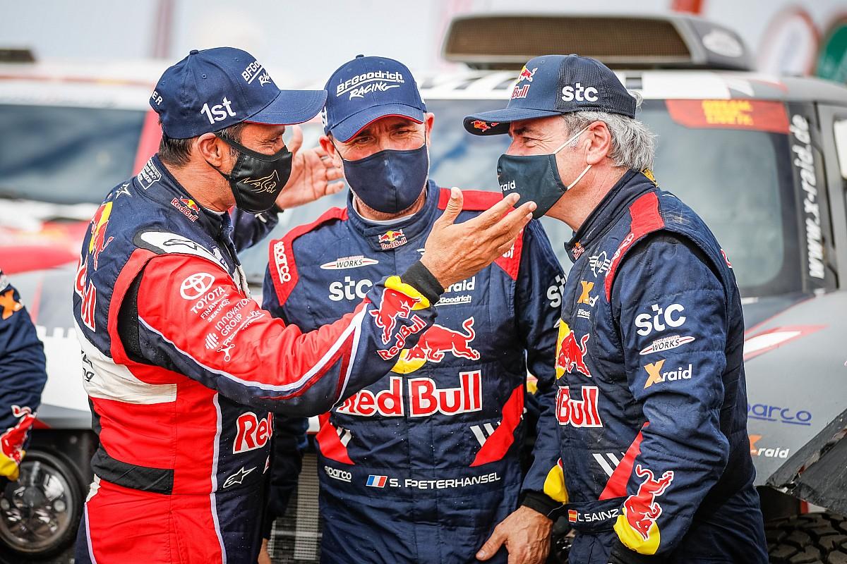 """Dakar, Sainz: """"Contento a metà. Avevamo tutto per vincere"""""""