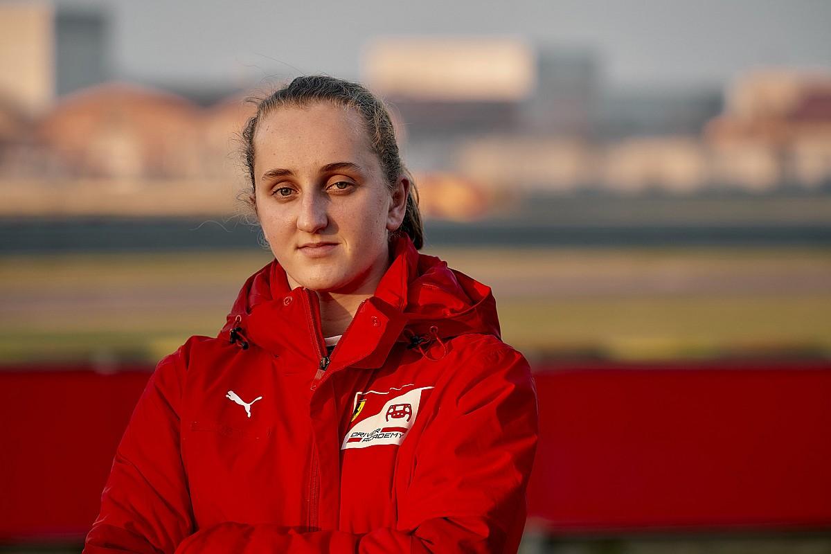 """Maya Weug, a Ferrari akadémiájának új tagja: """"Leclerc a példaképem"""""""