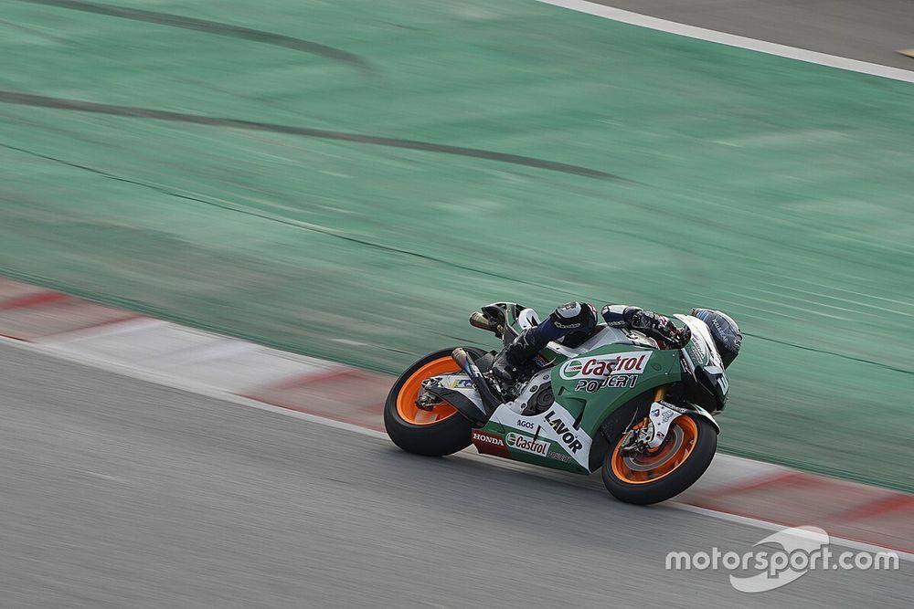 Fotos: los pilotos de MotoGP toman Barcelona y estrenan la nueva curva 10