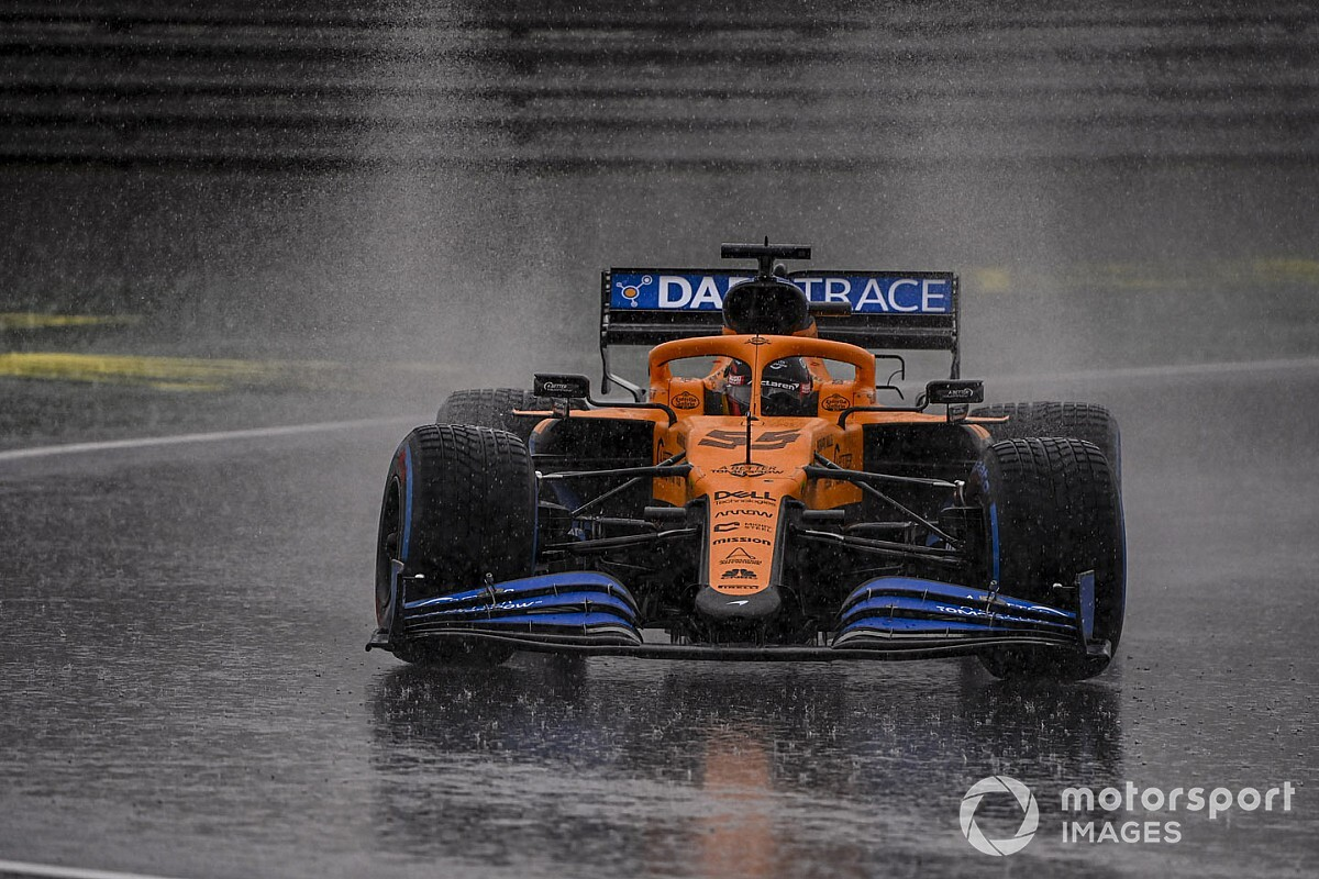 Sainz handed grid penalty for impeding Perez
