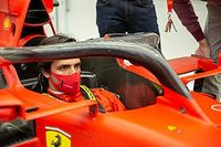 """F1: Sainz relembra primeiro contato da Ferrari: """"Tentei não acreditar"""""""
