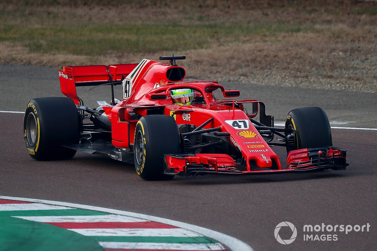 """Binotto: """"We testen Schumacher voor Ferrari-zitje in de toekomst"""""""