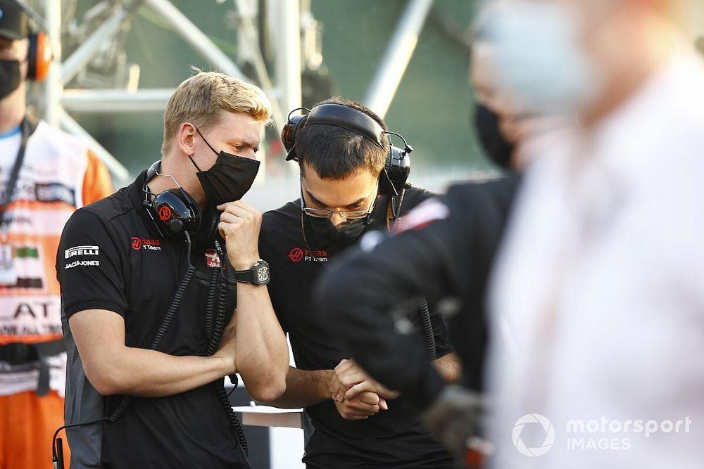 Button, Schumacher'in performansını görmek için sabırsızlanıyor