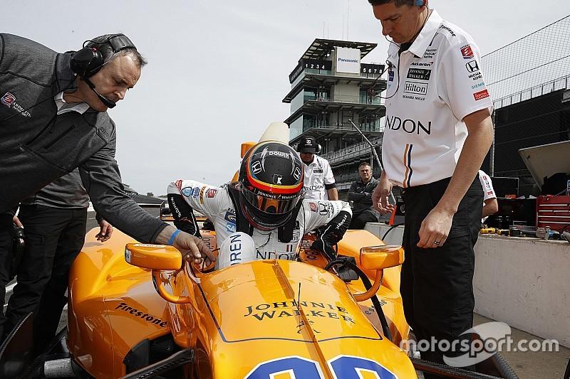 Alonso completa su rodaje para competir en Indy