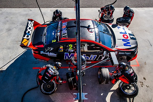 Supercars Walkinshaw starts worldwide hunt for new team manager