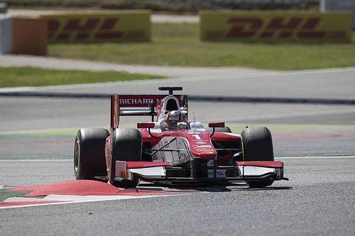 Leclerc resiste a Ghiotto e centra il secondo successo in Gara 1 a Barcellona