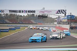 """Catsburg: WTCC needs """"hard look"""" at tyres after double puncture"""