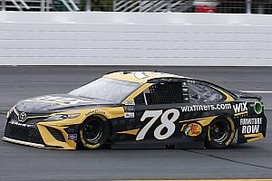 NASCAR Cup Qualifiche Martin Truex Jr. si prende la pole dopo la squalifica di Larson