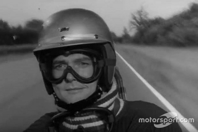 "Hommage an Roger Moore – den ""ehemaligen Formel-1-Piloten"""