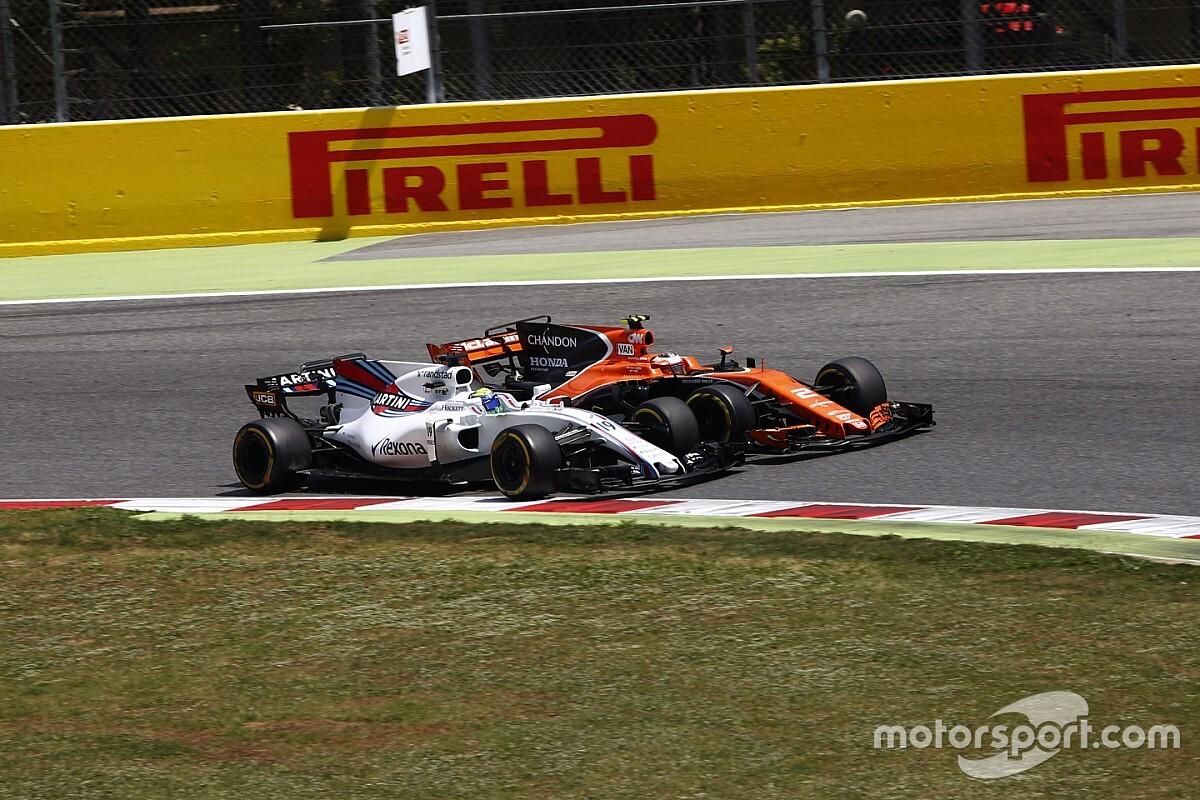 «Williams и McLaren смотрят в дуло пистолета». Уэббер о кризисе в Ф1