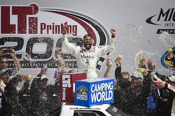 Darrell Wallace Jr. takes spectacular win in Michigan Truck race