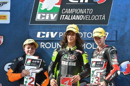 Elia Bartolini resiste a Surra e centra il successo in Gara 1