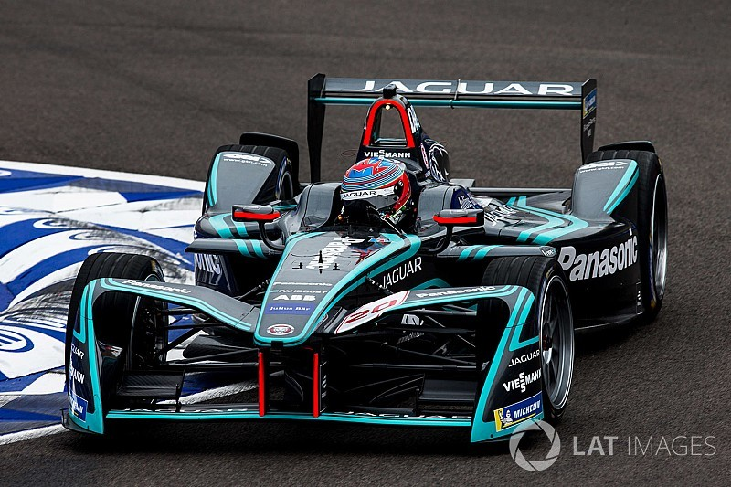 Di Resta tops first session of Formula E rookie test