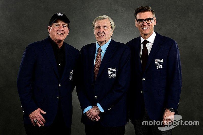 Una noche emotiva para los nuevos inmortales de NASCAR