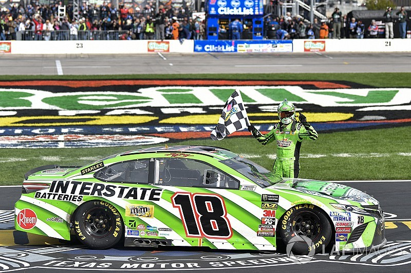 Kyle Busch holds off Harvick for his first win of 2018 season