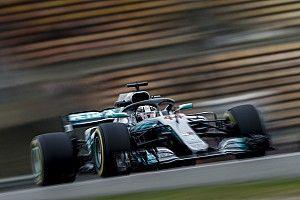 """Hamilton comemora dia, mas vê Ferrari perto: """"Estão rápidos"""""""