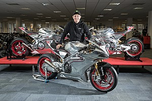 Road racing Ultime notizie John McGuinness torna al TT con Norton