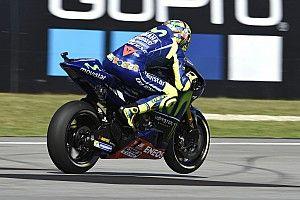 Rossi versenyét elmosta az eső, a Yamaha nagyon veszélyes volt