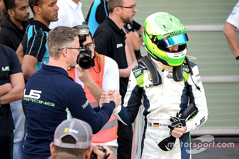 Zoon van Ralf Schumacher maakt FIA F3-debuut in Sochi