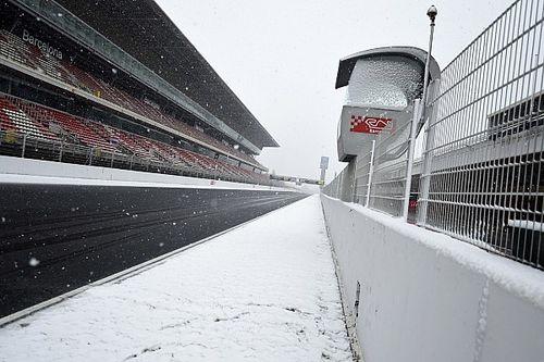 Fotogallery: la neve rende i test di Barcellona davvero... invernali!