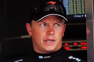 Videó: 13 éve sem volt lazább versenyző Kimi Raikkönennél!