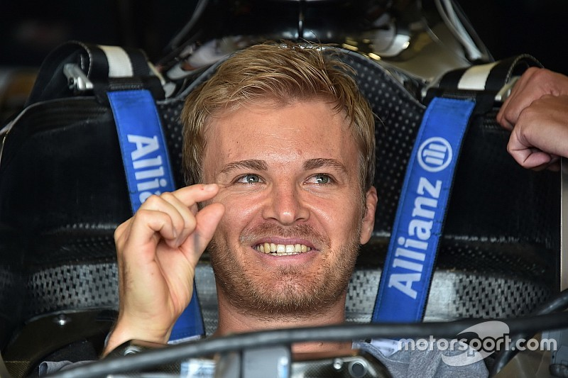 """Rosberg: """"Fossi Ricciardo andrei alla Ferrari, ha la macchina migliore"""""""