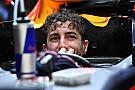 Ricciardo le mostró el dedo a Grosjean