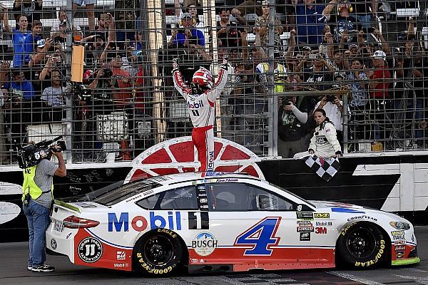 NASCAR Cup Harvick batte Truex Jr in Texas e si qualifica per la finale