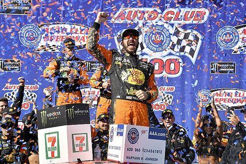 Dominante, Truex Jr. volta a vencer na NASCAR