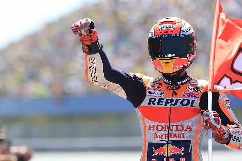 Marquez a pole-ban Németországban, egy tizeden belül az első három!