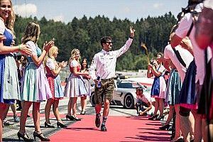 """Ricciardo szívesebben tárgyalna a """"nagyfőnökkel"""", mint Markóval"""