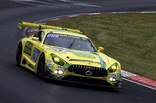 Video: Van der Zande maakt twee keer kans om te winnen in 24 uur Nürburgring