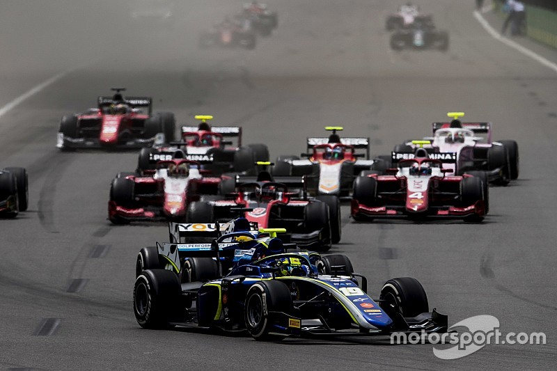 """F2 """"lucky"""" to avoid major accident - Whiting"""